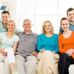 גישור משפחתי- קולות בני המשפחה האחרים מהדהדים בחדרהגישור